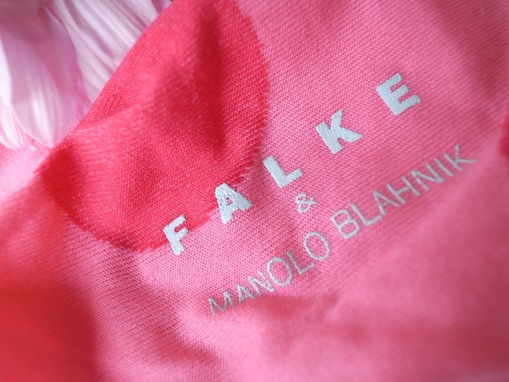 FALKE & Manolo Blahnik