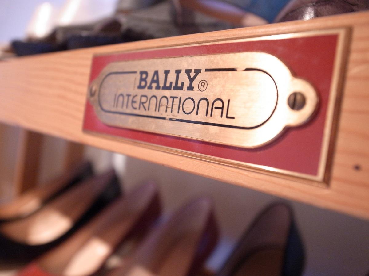 Schuhregal von Bally