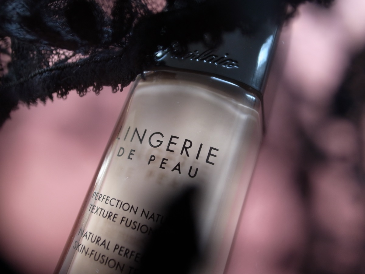 GUERLAIN LINGERIE DE PEAU Make-up