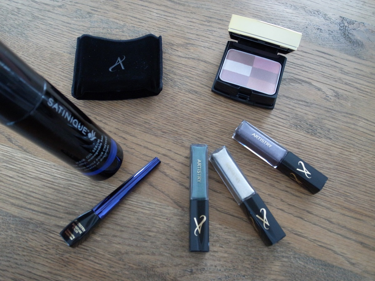 "ARTISTRY ""Luxe Metallics"" Make-up Kollektion"