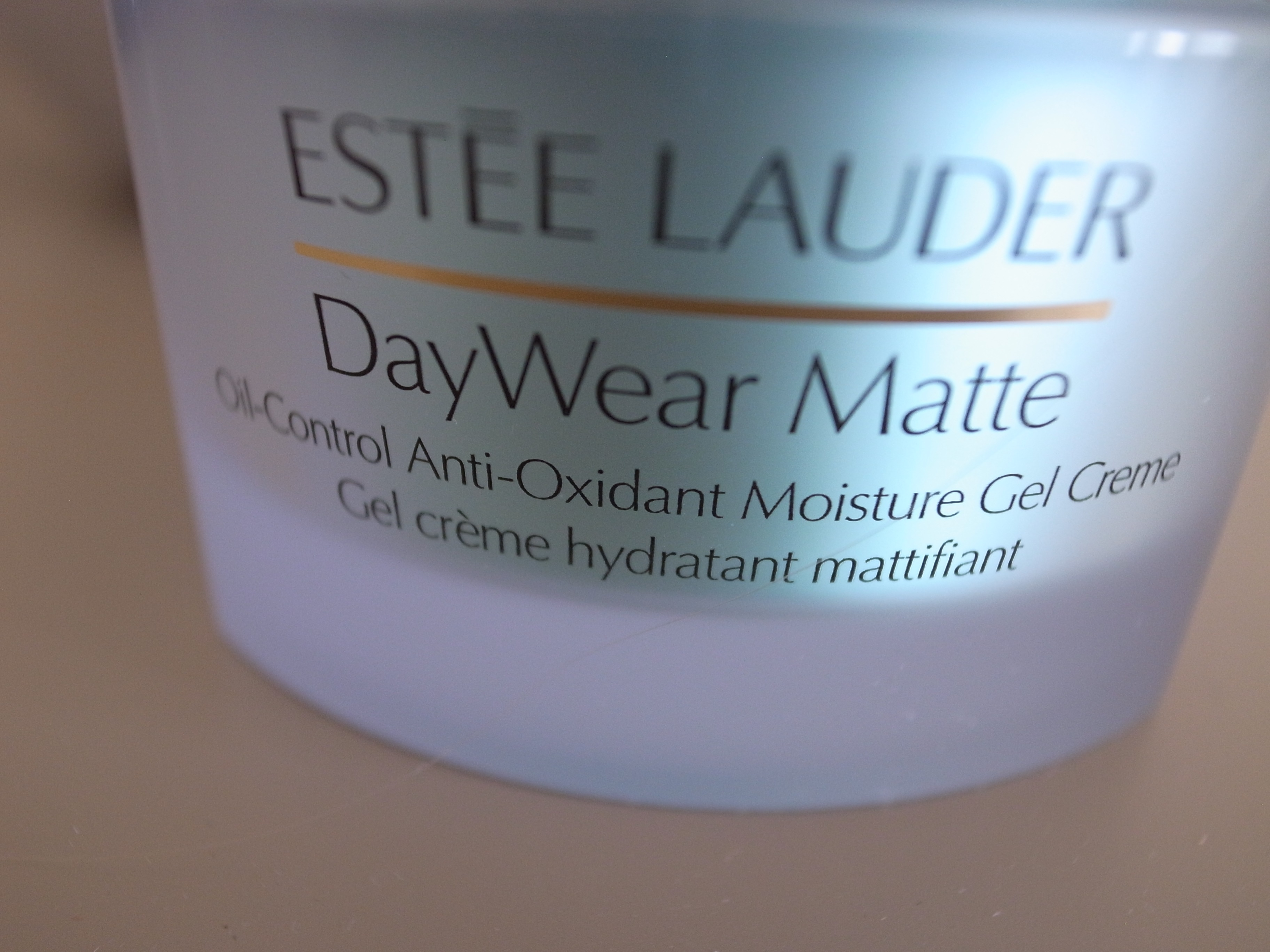 Estée Lauder DayWear Matte