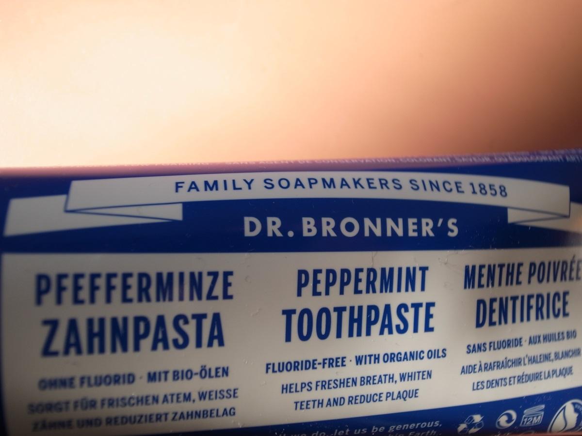 Dr. Bronner's Pfefferminze Zahnpasta