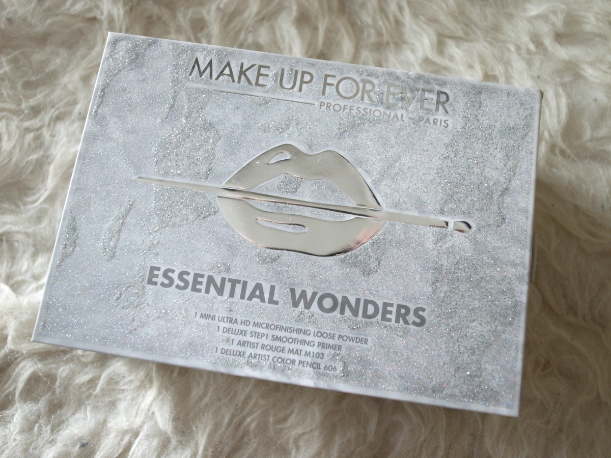 MAKE UP FOREVER Essential Wonders Set